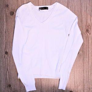 Zara White V-Neck pullover Sweater